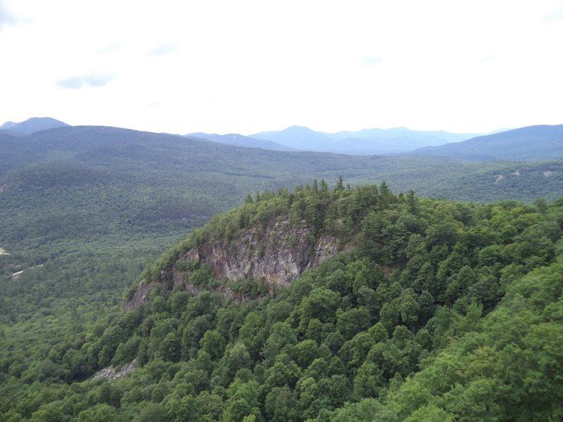 Rock Climbing Photo: Main Cliff seen from Far Cliff