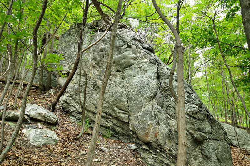 Rock Climbing Photo: Outlying Area - East outcrops