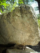 Rock Climbing Photo: Face opposite of the Water Boulder. May have a lin...