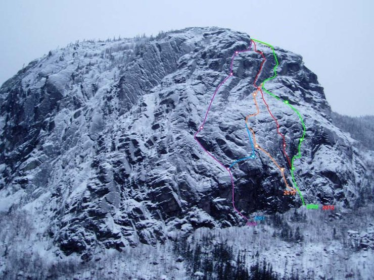 Rock Climbing Photo: Green, red and orange lines are in the Sinus area....