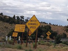 Rock Climbing Photo: Hwy 18 road signs at Nelson Ridge, Big Bear North
