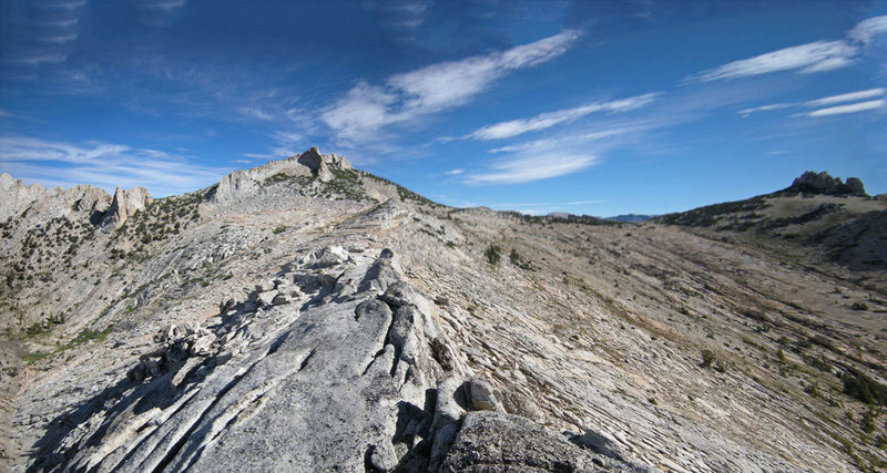 Echo Peaks + Echo Ridge + Cockscomb seen from south on N ridge Matthes Crest