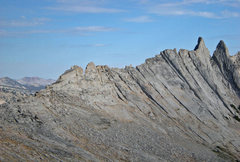 Rock Climbing Photo: west side of North ridge of Matthes Crest: two min...
