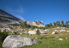 Rock Climbing Photo: approach to Wilts Col scree slope to left of Echo ...