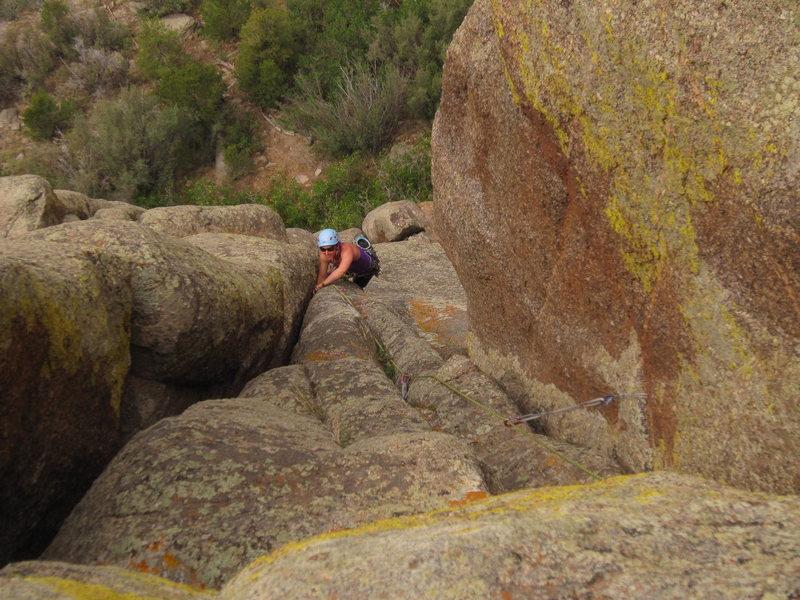 Rock Climbing Photo: Stef V. follows P1 of Hand Jive.