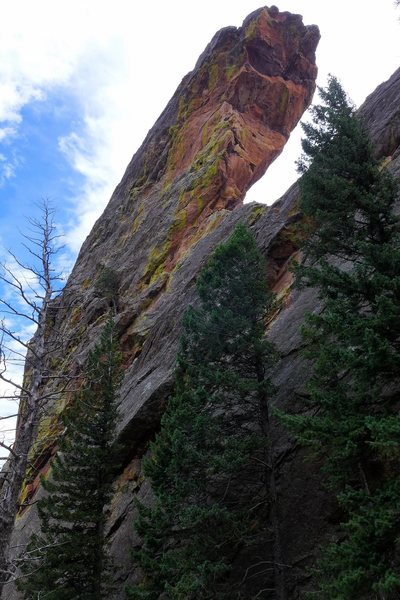 Rock Climbing Photo: West Overhang from the north.