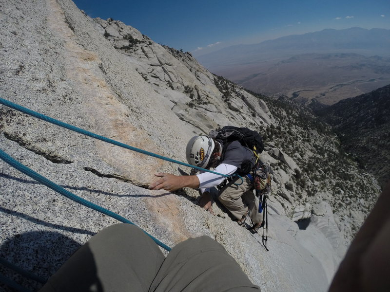 Last moves before the dike stance above the finger crack on pitch 6