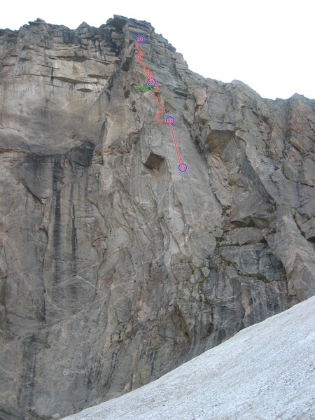 Rock Climbing Photo: Upper 3 independent pitches.  Finish on Rainbow Hi...