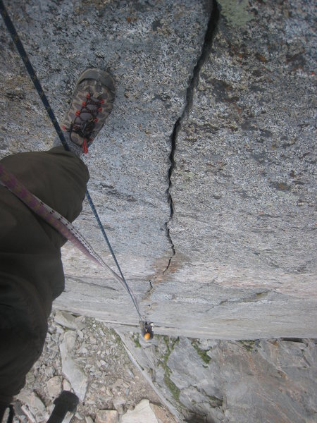 Straight down the splitter fingers on pitch 3
