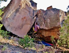 Rock Climbing Photo: Working the confined space of Paleocontact.