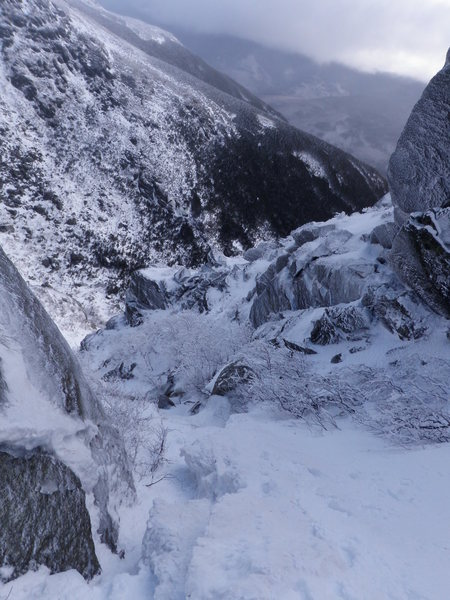 Rock Climbing Photo: Looking down south gully toward the base of huntin...