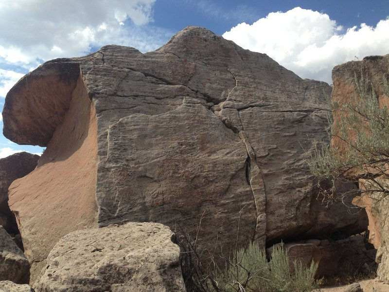 Rock Climbing Photo: Work your way up the middle!