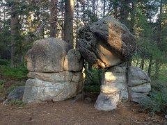 Rock Climbing Photo: An interesting boulder clump, Big Bear South