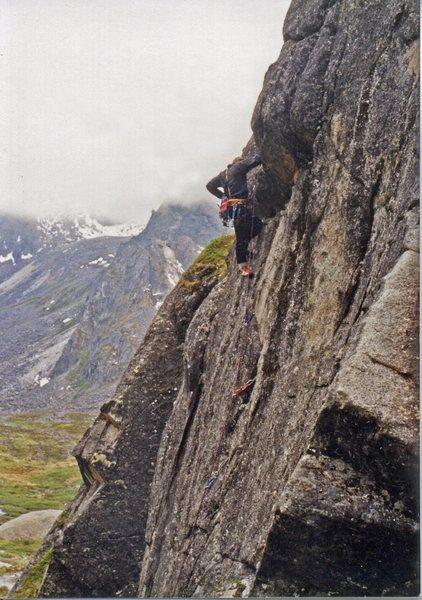 Rock Climbing Photo: Steve Garvey on Checkered Dog 5.9, Monolith.