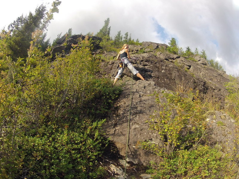View of the belay ledge at the top of 2nd pitch of ES-2