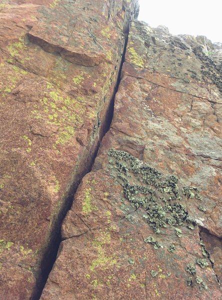 Rock Climbing Photo: The nice narrowing hand crack.