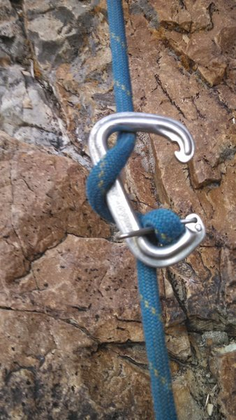Rock Climbing Photo: Weighted loose clove hitch can open gate!