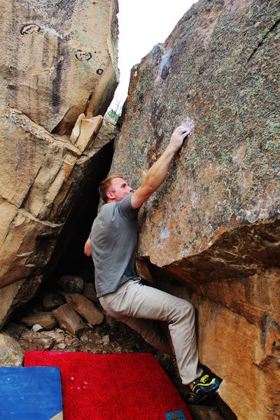 Rock Climbing Photo: Sticking the perfect right hand crimp on Son of Ha...