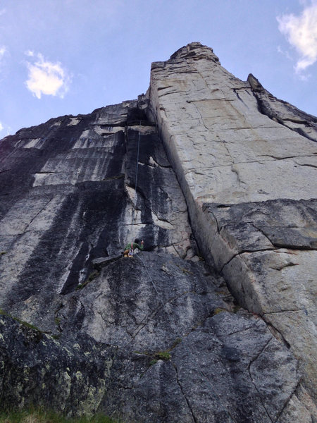 The first real pitch, amazing corner and felt soft for 5.11a (easier than OZ in Tuolumne)