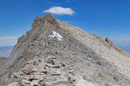 looking straight up the West ridge of Mt Carillon, from Russell-Carillon Pass