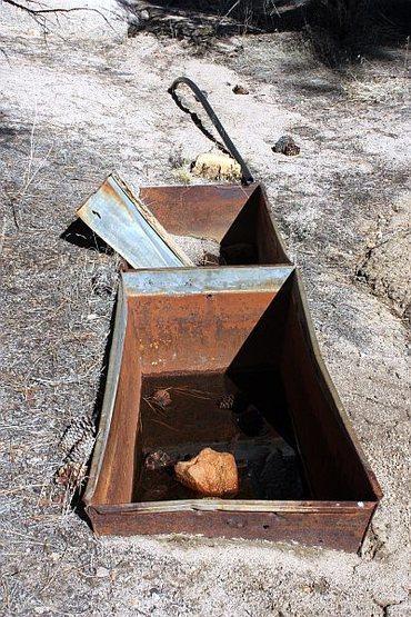 Mining relics, Holcomb Valley Pinnacles