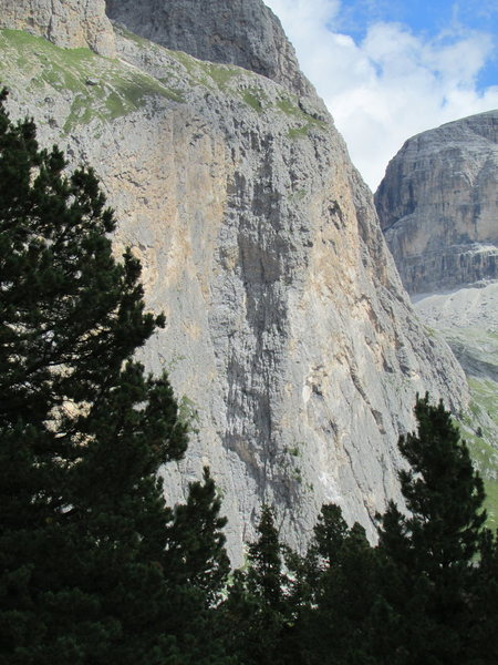 Rock Climbing Photo: Piz Ciavazes, Right portion; Rampenfuehre and Klei...