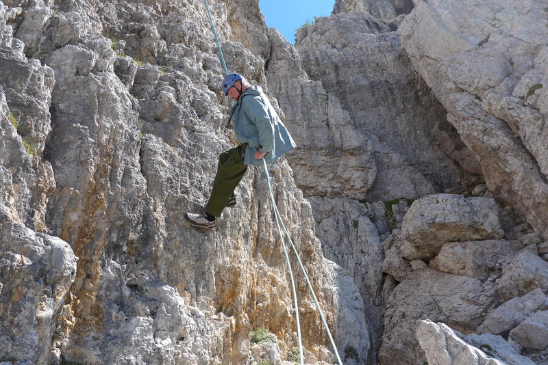 Fun abseils from an otherwise average summit.