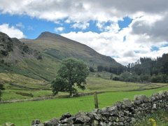 Rock Climbing Photo: Looking up towards the mountain from the Thirmere ...