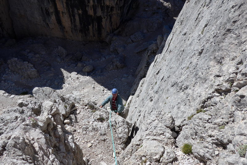 Rock Climbing Photo: Rodger chugging up pitch one.