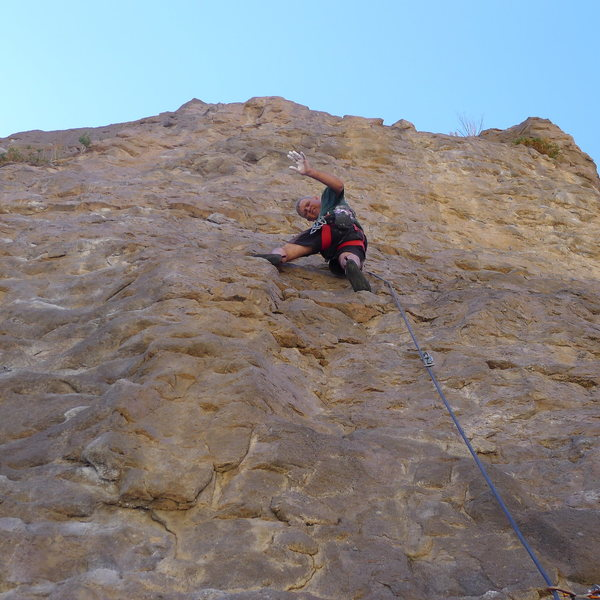 Rock Climbing Photo: Mike Arechiga on, String Of Pearls, 5.8
