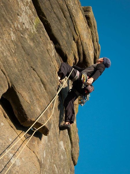 Me leading 'Right Unconquerable' (HVS) at Stanage, UK August 2014