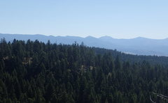 Rock Climbing Photo: View to the SE and the Kettle Crest Range from the...
