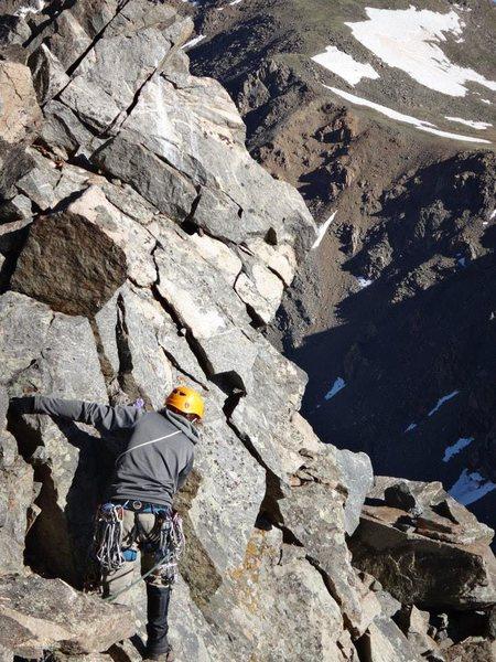 Rock Climbing Photo: Starting a traverse across the Harvard-Columbia kn...