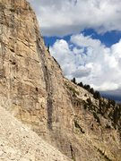 Rock Climbing Photo: White Walker climbs just to the right of the black...