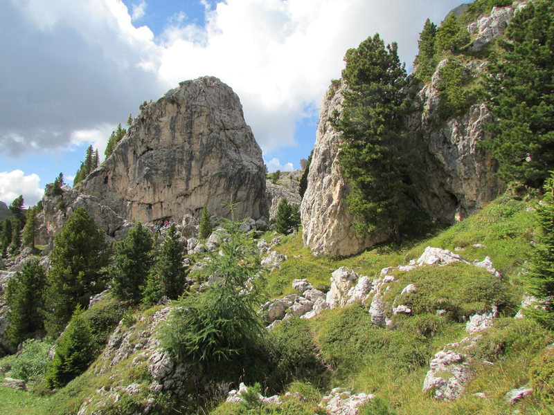 Rock Climbing Photo: These formations are ~ 40 to 60 feet tall. There's...