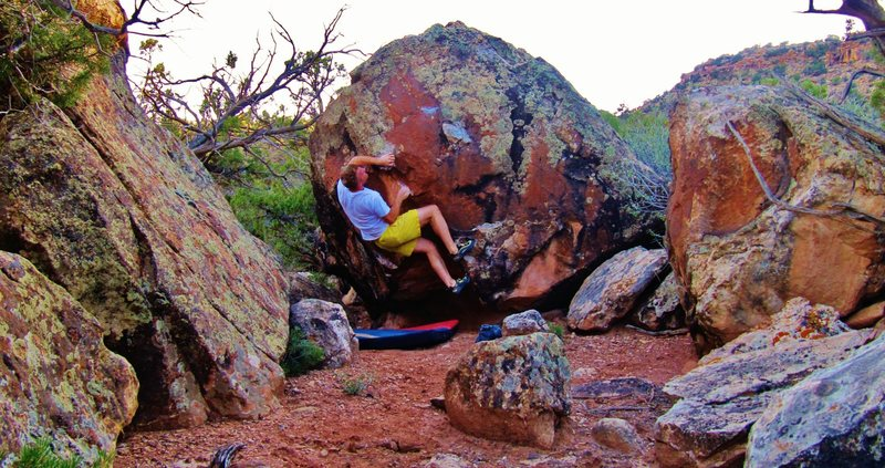 Rock Climbing Photo: Cranking the gaston on Opaline Scene.