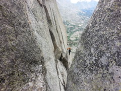 Rock Climbing Photo: Traversing on the south side of wolf's head.