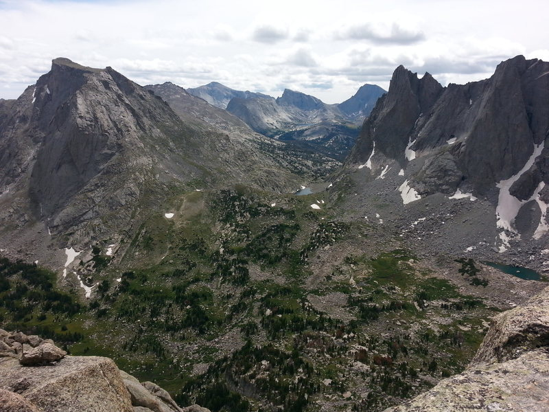 A pic of the cirque meadow (from pingora) between mitchell on the left and warbonnet/warrior 1 on the right.