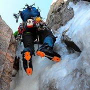 Rock Climbing Photo: Ice bulge crux in the Dreamweaver Couloir, Mount M...