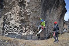 Rock Climbing Photo: A warm up on a traverse in Hatun Machay, Peru.