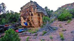Rock Climbing Photo: Start beta of Alleycat.