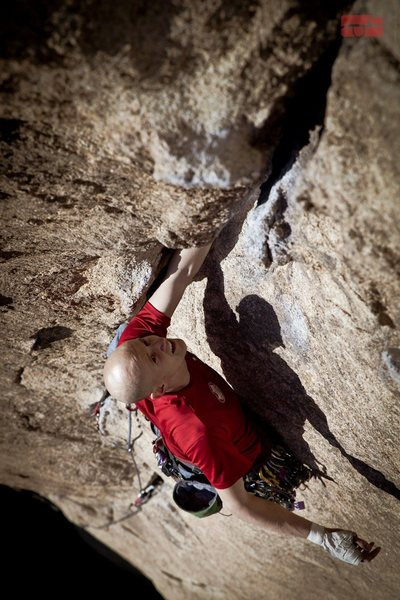 Eric Elofson on some climb in Joshua tree, photo by Dan Holtz