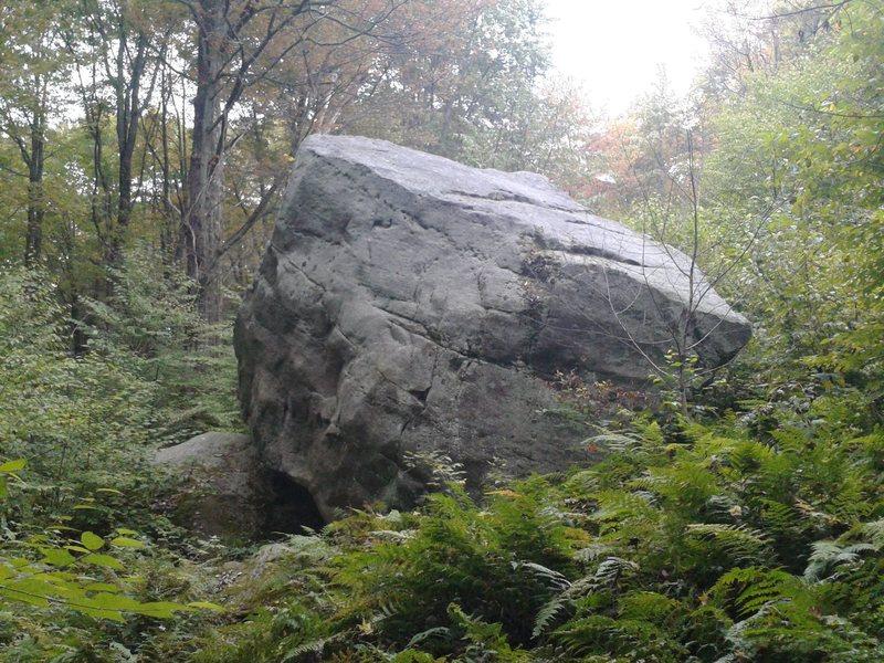 Rock Climbing Photo: Vila Boulder.
