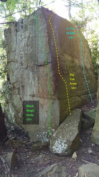 Left: Big Toe Arete V0+, Right: In The Middle V0+, close to [[Yellow Brick Road]]105870649