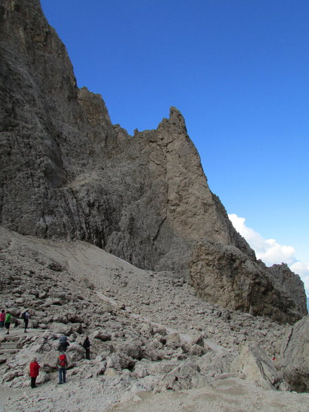 Rock Climbing Photo: The small spire of Dito di Dio from Langkofelschar...