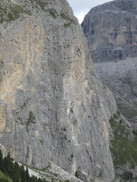 Piz Ciavazes detail; this is the area of Kleiner Micheluzzi, Rampenfuehre, and Via Irma.