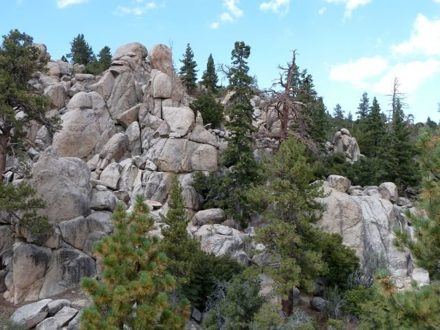 Rock Climbing Photo: The Voodoo Garden from the east, Holcomb Valley Pi...