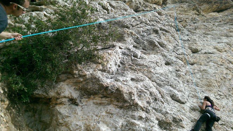The start is a bit of a pain, but easy, fun little climb