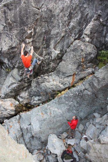 John Brooks and TOm Addison on Slip Knot .11a. Emeralds Gorge. CA.