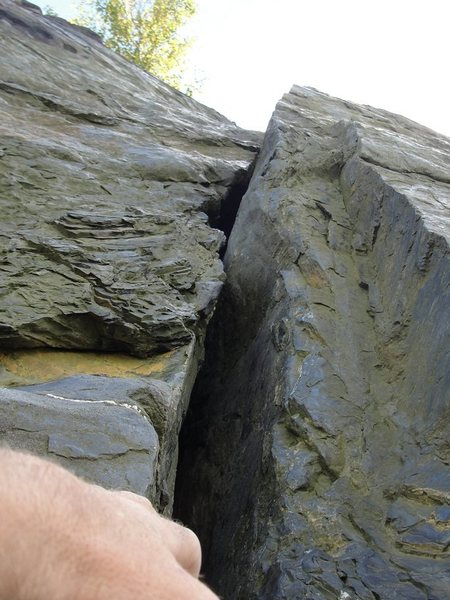 Rock Climbing Photo: Looking up Whaleback Crack on solo lead